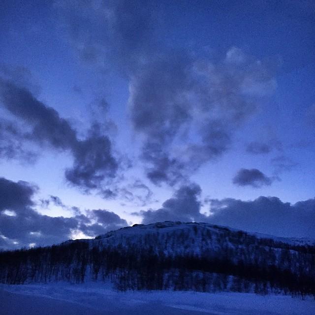 blue skies ☁️🌌 #WTDxWLP #visitsweden #riksgränsen #björkliden