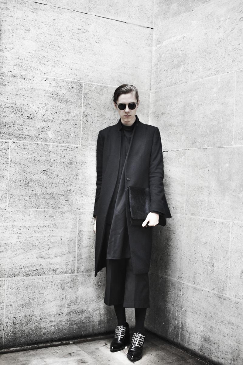 mikkoputtonen_fashionblogger_london_allblack_gtie_allsaints_jilsander_onar1_web