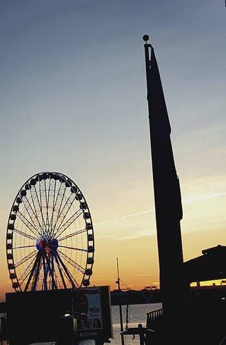sunset sundown sun washingtondc nationalharbor americanflag sillouette silhouette ferriswheel skywheel