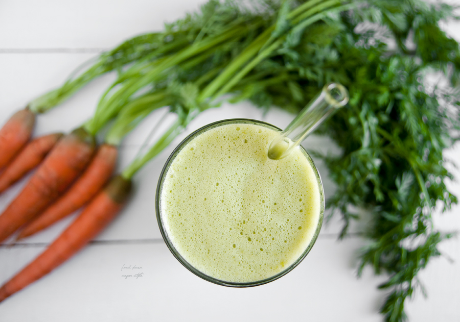 Green smoothie with carrot tops