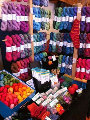 Happy-go-knitty stall_3