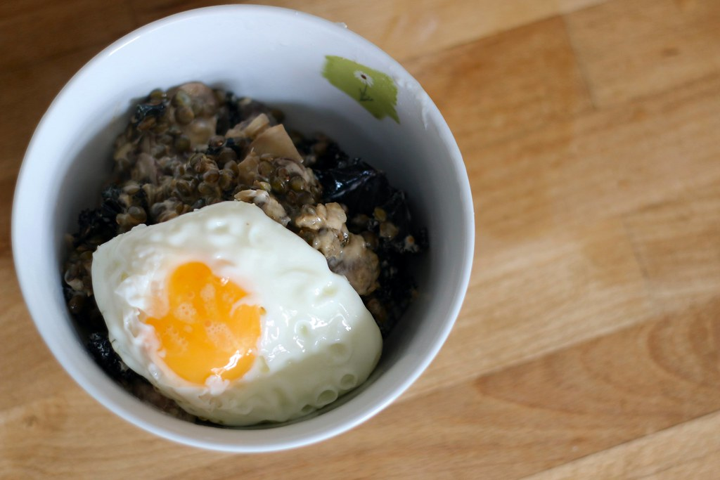 Kale, lentil & mushroom bowl