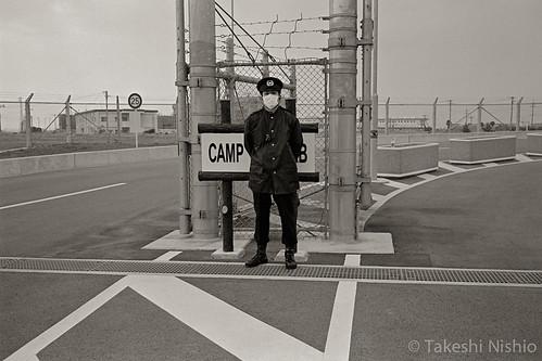 """挨拶にさえ応えない警察官 / police officer, not even answer to my greeting, """"good morning"""""""