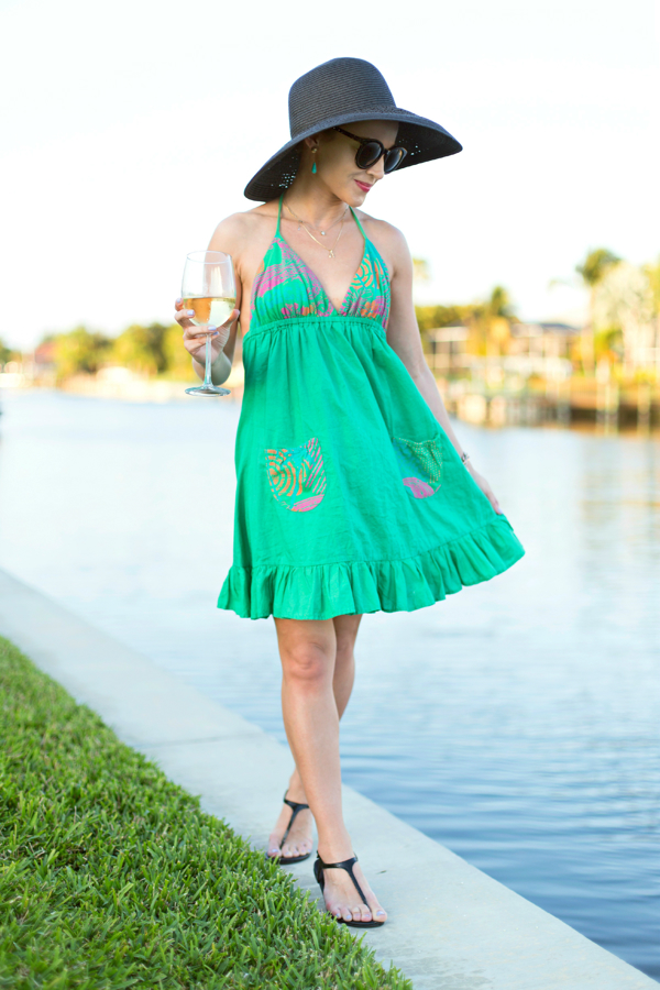 Beach coverup + floppy hat