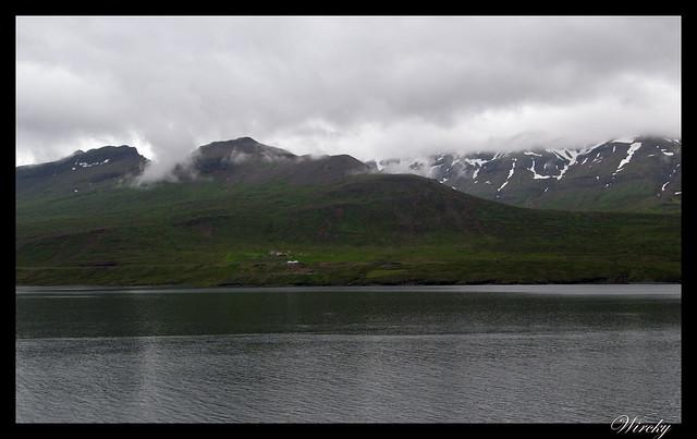 Un fiordo del este de Islandia: Fáskrúdsfjördur