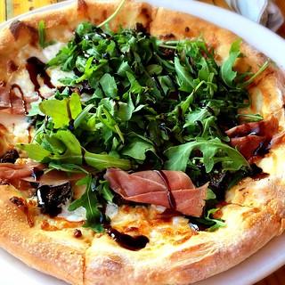 Proscuitto Arugula Pizza