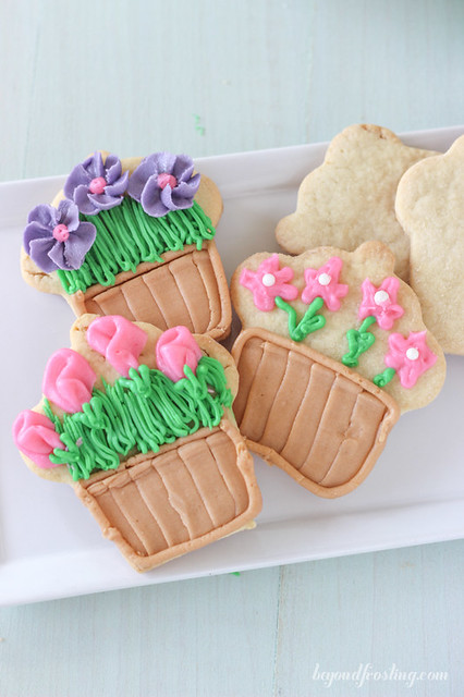 These Flower Pot Cookies are made with a cupcake cookie cutter and are a perfect treat for Mother's day!