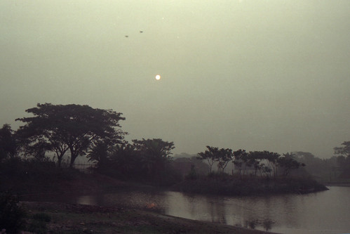 city winter cold film nature analog sunrise dawn nikon village end nikonfm10 fujifilm dhaka bangladesh numb banasree facts 3570mmf3548 fujicolorc200 dhakadivision aftabnagar epsonv330 sheikhshahriarahmed