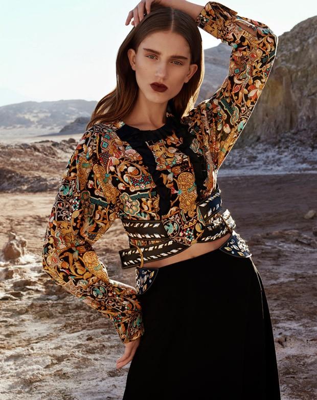 Sabina-Lobova-Vogue-Mexico-Angelo-DAgostino-02-620x782