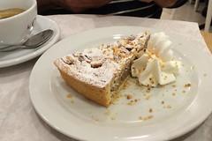 Venice - Le Cafe almond cake