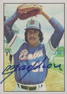 "1976 SSPC - Maximono ""Max"" Leon #3 (Relief Pitcher) - Autographed Baseball Card (Atlanta Braves)"