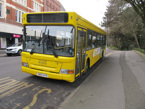 DP512 Yellow Buses Bournemouth SN55HTD