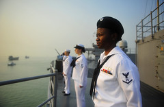 Sailors man the rails as USS Blue Ridge (LCC 19) arrives in Zhanjiang, April 20. (U.S. Navy/MCSN Jordan KirkJohnson)