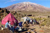 Trekking Mount Kenya und Kilimandscharo. Aufstieg über die Rongai-Route, mit Kibo. Foto: Archiv Härter.
