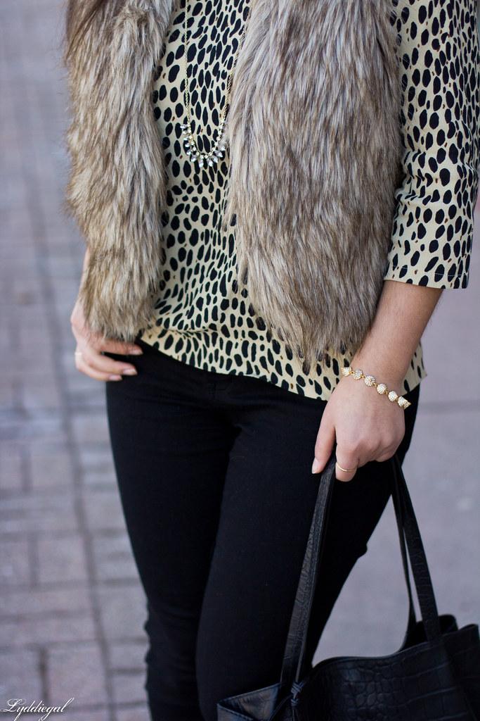 leopard tunic, fur vest, black jeans-6.jpg