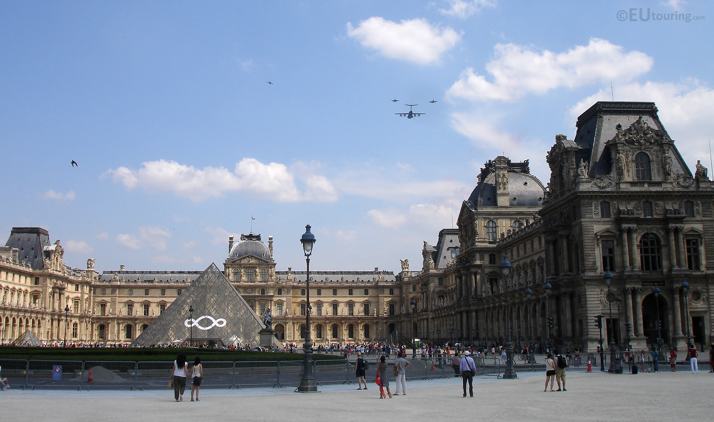 Planes over the Louvre