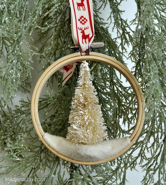 how-to-make-a-bottle-brush-tree-embroidery-hoop-ornament-christmas-decorations-crafts-seasonal-holiday-decor