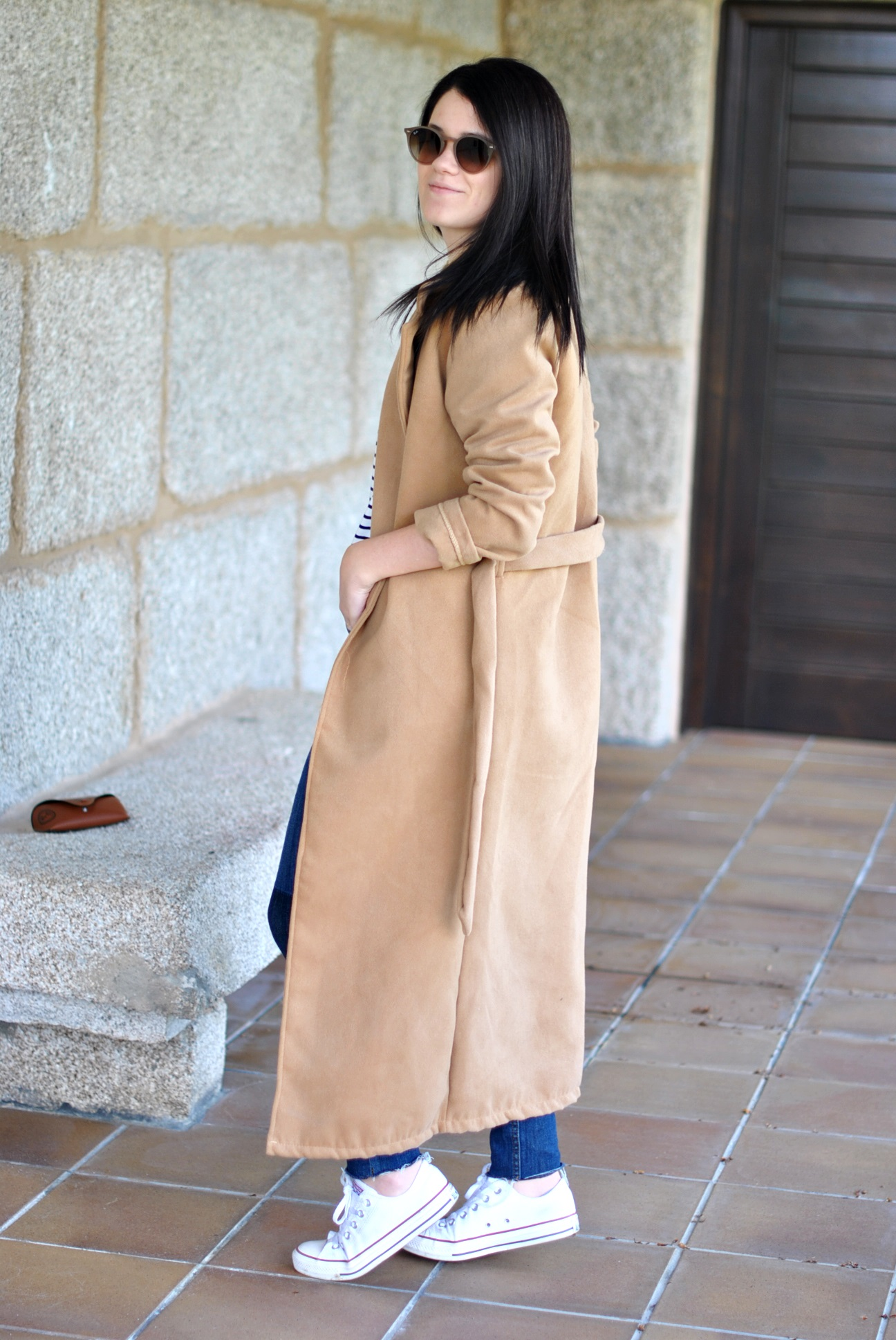 20160516-CAMEL-COAT-NAVY-SHIRT-08