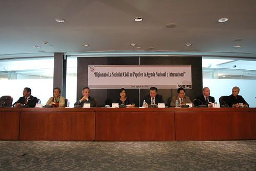 El 24 de agosto del 2016 se llevó a cabo en el Senado de la República el Diplomado: La sociedad civil, su papel en la agenda nacional e internacional.