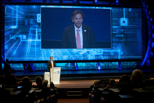 DEN HAAG - Global Conference on Cyber Space 2015
