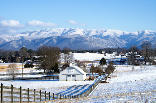 snow mountains clouds farm tennessee valley snowcovered