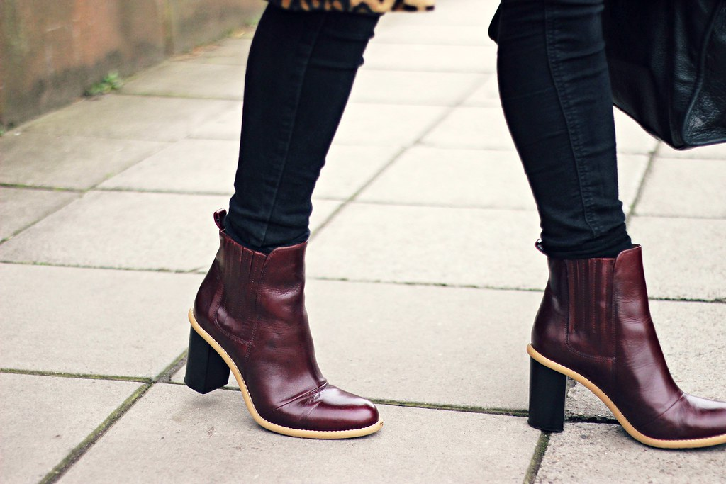 Sarenza burgundy heeled leather ankle boots 9