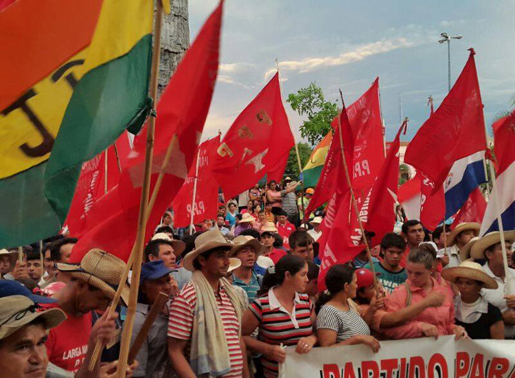 grande marcha patriotica em frente ao palácio do governo.jpg
