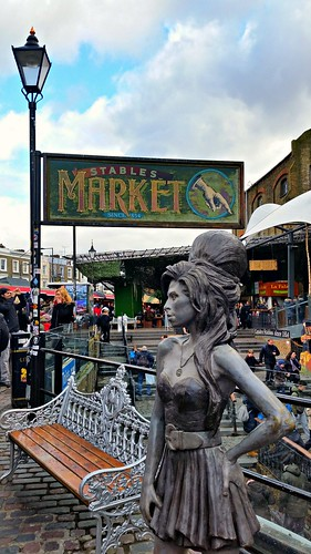 Amy Winehouse statue Camden