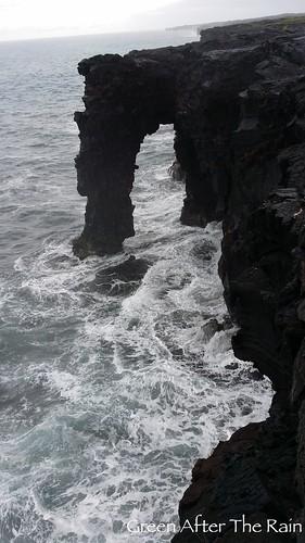 140902e_VolcanoChainOfCratersRd3650