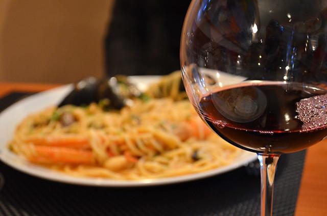 Wine and seafood spaghetti, Lungo Mare, Maestral Bay, Zadar, Croatia