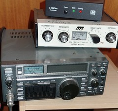 communication device(0.0), cassette deck(0.0), audio receiver(1.0), electronic device(1.0), multimedia(1.0), electronics(1.0), radio receiver(1.0), electronic instrument(1.0),