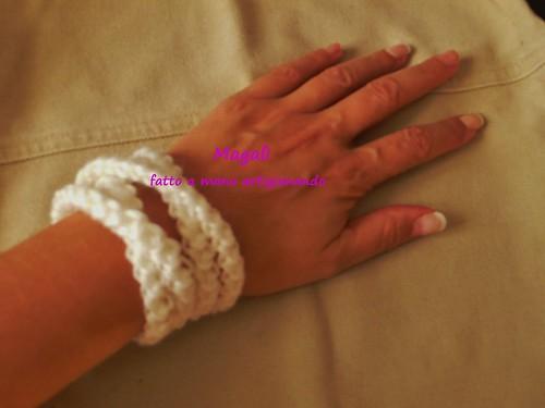 bracciale bianco a spighetta 1