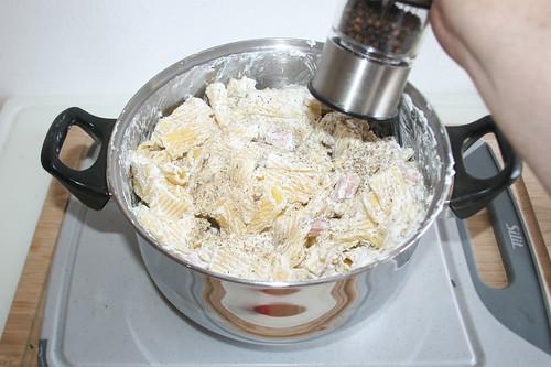 20 - Mit Salz & Pfeffer abschmecken / Taste with salt & pepper