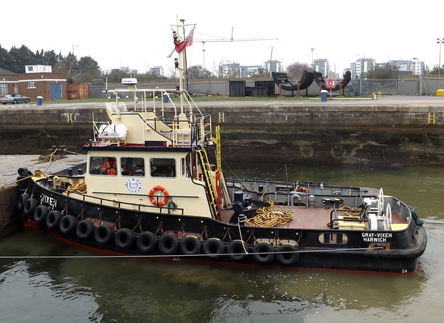 Thames Vixen (1) @ KGV Lock 20-03-15