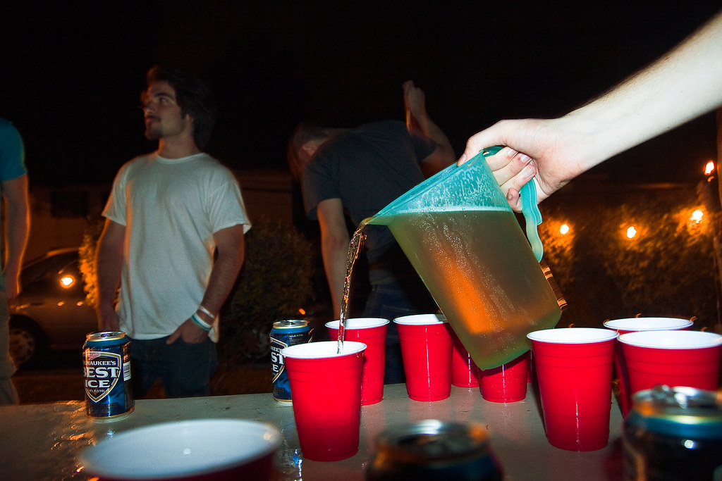 """New law to break up """"super-parties"""" draws student criticism"""
