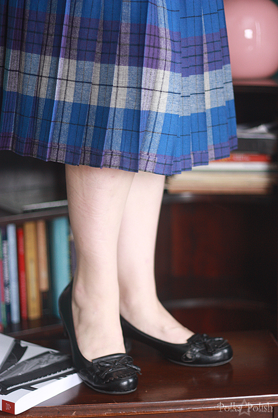 Vintage collegiate style for winter: Plaid Pendelton Turnabout skirt with loafer-inspired pumps