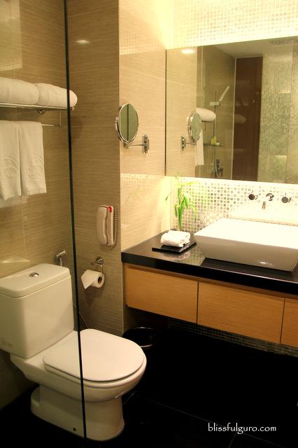 Horizon Hotel Kota Kinabalu Malaysia Toilet and Bath