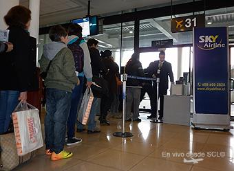 Sky Airline pasajeros embarcando (RD)