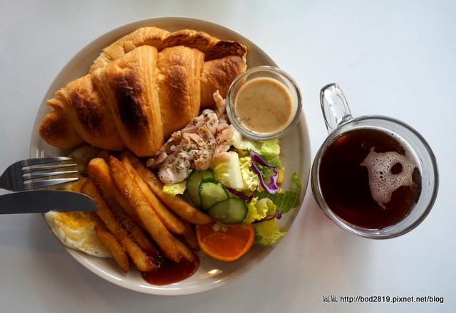 【台中潭子】石獅倉庫 Brunch Cafe-百元有找的平價早午餐,還附飲料喔