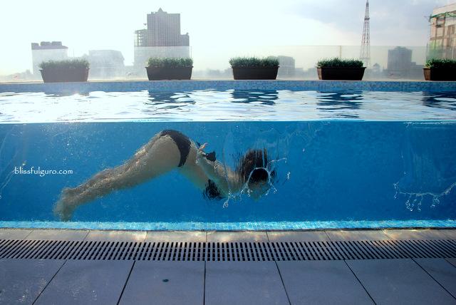 Luxent Hotel Quezon City Pool
