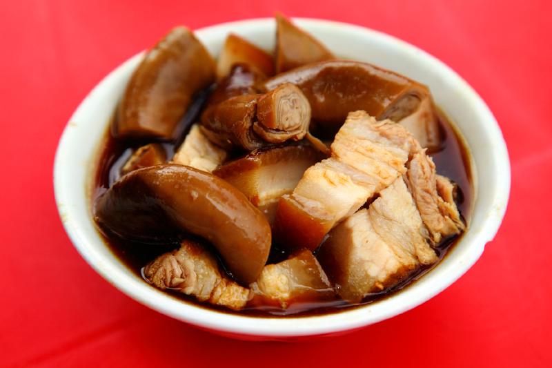Braised-Pork-Belly-and-Intestines