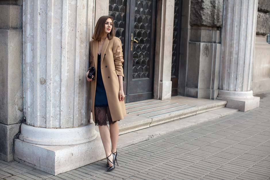 how-to-wear-a-camel-coat-outfit-ideas-street-style