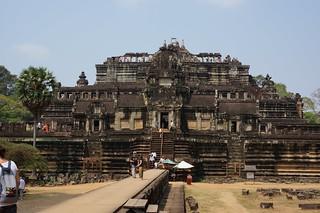 The Baphuon temple