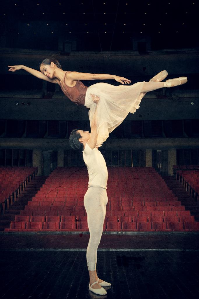 Jean Marc Cordero & Katherine Trofeo in Giselle - photo by Jojo Mamangun