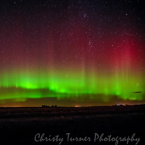 The red in Aurora Borealis is said to be excited nitrogen. This is probably the most read I saw in one sighting. #Aurora #alberta #amazingplaces #auroraborealis #spaceweather #aurorachasers #borealis #beautiful #cowtown #canada #christyturnerphotography #