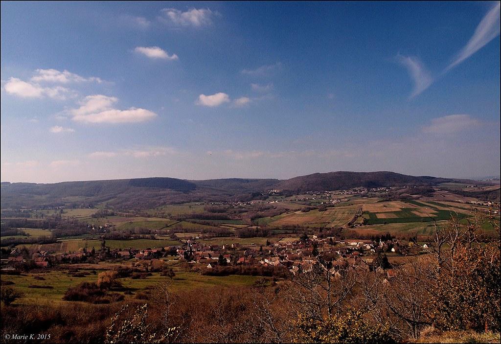 Village de la Vallée bourguignonne 16667206620_5f0c4892e5_b