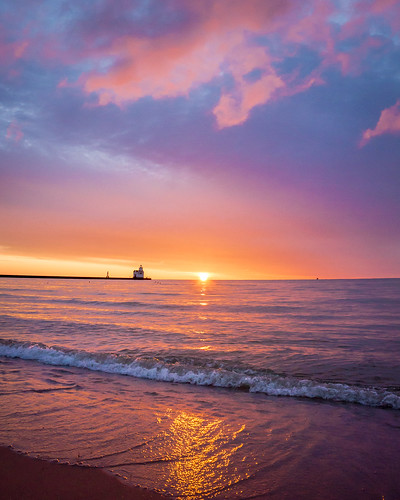 Sunrise, Seascape, Lake Michigan, Kewaunee, WI, Lighthouse, Beach