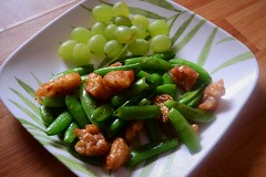 Szechuan Seitan and Sugar Snap Peas, with Grapes (…