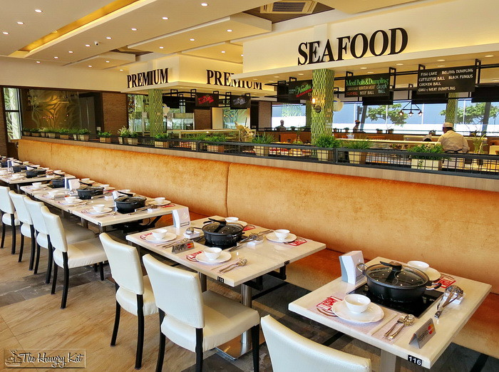 The hungry kat four seasons hotpot city opens in mall of for Four restaurant