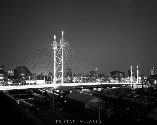 Nelson Mandela Bridge, BW